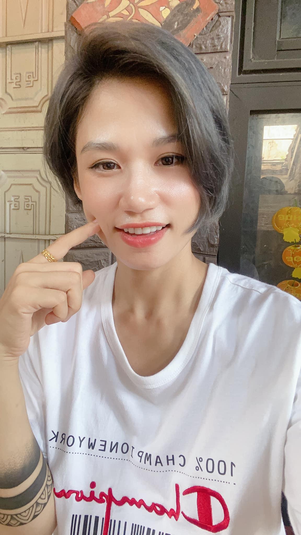 Nét đẹp tươi trẻ của hot mom Hà Bi Fitness