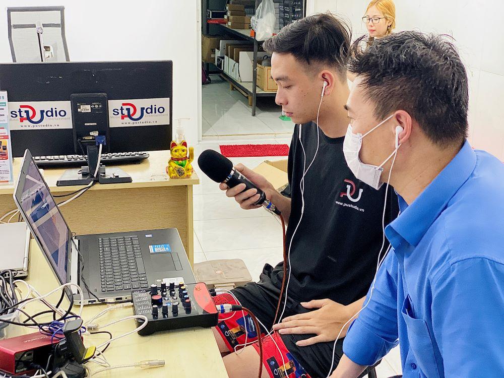 PU Studio là địa điểm cung cấp micro thu âm chính hãng