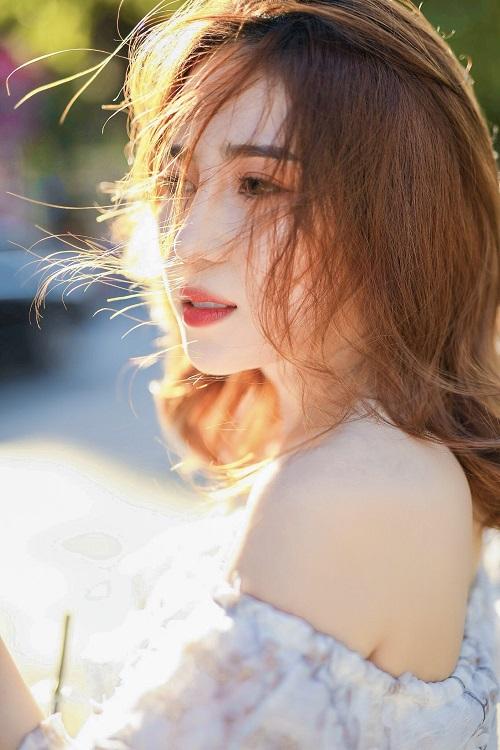 Thu Trang với vẻ đẹp dịu dàng