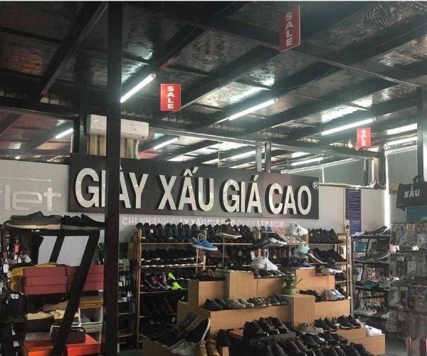 """Cửa hàng giày """"có tiếng"""" ở Sài Gòn"""